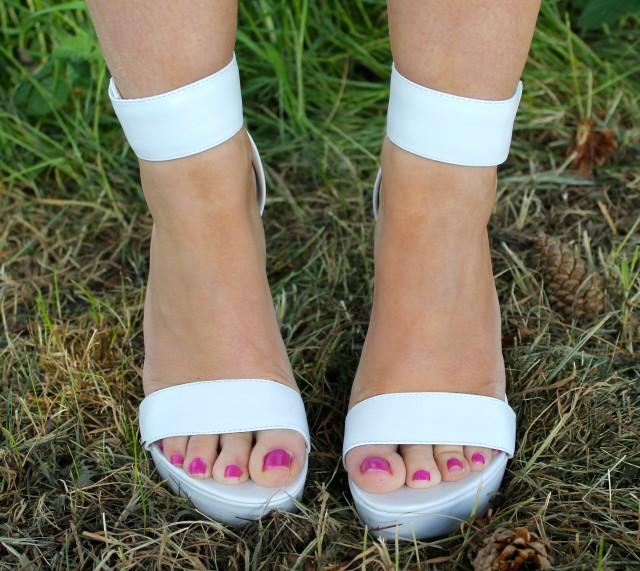 River Island White chunky heels